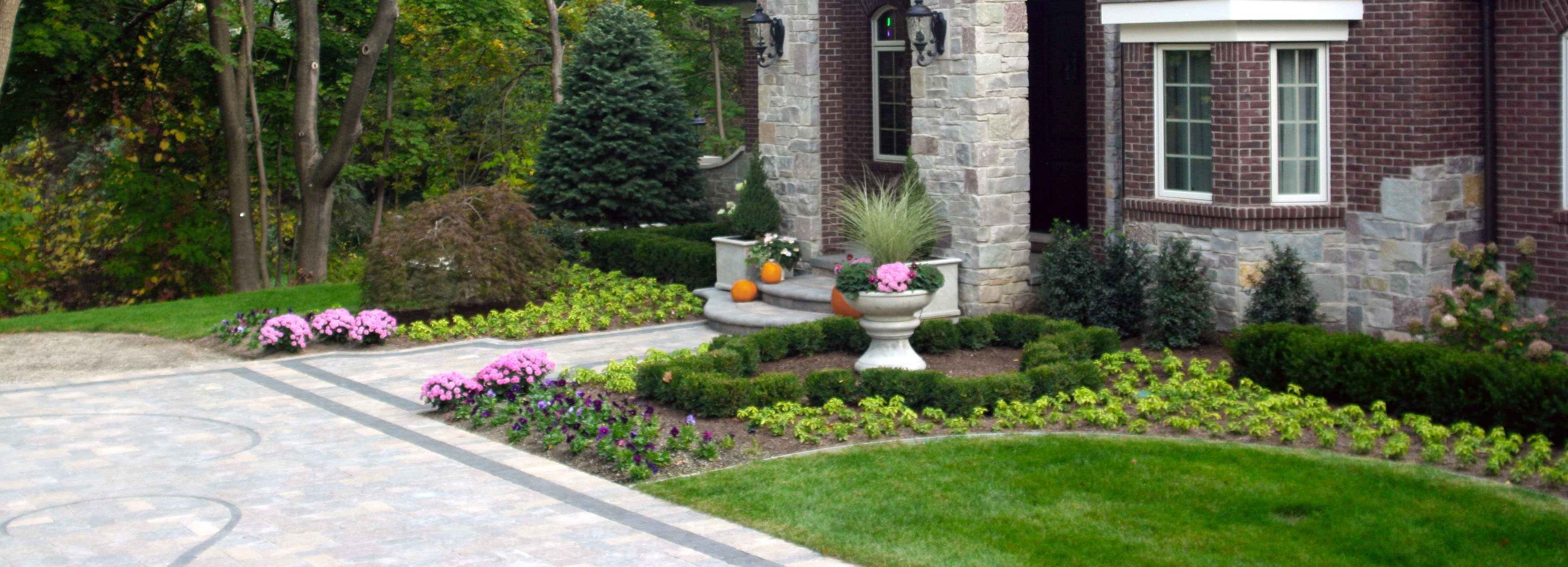Courtyard Stone & Landscape's custom courtyard paving